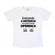Camiseta Professor Ensinando A Distância Mas Ainda Fazendo Diferença Preto